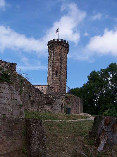 Forbach tour du chateau de schlossberg routes touristiques de la moselle guide du tourisme de la lorraine