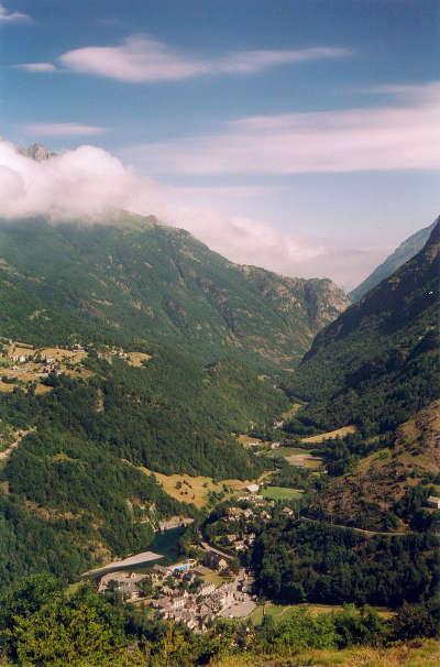 Gavarnie la vallee du gave routes touristique des hautes pyrenees guide du tourisme midi pyreneess
