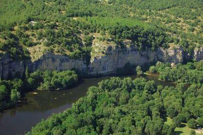 Gluges route touristique de pierre et d eau guide touristique du lot midi pyrenee