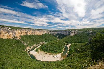Gorges de l ardeche grand site de france le cirque de la madeleine routes touristiques de ardeche guide du tourisme du rhone alpes