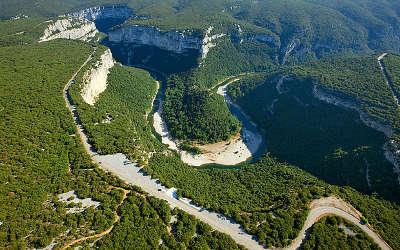 Gorges de l ardeche grand site de france routes touristiques de ardeche guide du tourisme du rhone alpes