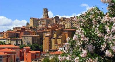 Grasse ville d art et histoire vieille ville routes touristique des alpes maritime guide du tourisme provence alpes cote d azur