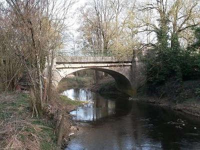 Gravereau le pont sur le petit lay routes touristiques de vendee du tourisme du pays de la loire