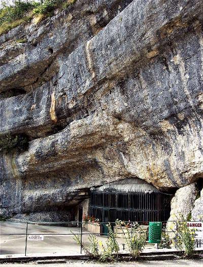 Grotte chapelle de remonot vallee du doubs et du dessoubre routes touristiques du doubs guide du tourisme de franche conte