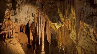 Grottes de saulges routes touristiques de mayenne du tourisme du pays de la loire