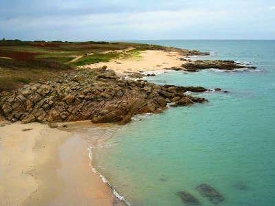 Hoedic la plage bleue routes touristiques dans le morbihan guide du tourisme en bretagne