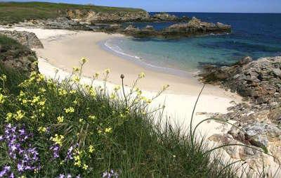 Hoedic la plage routes touristiques dans le morbihan guide du tourisme en bretagne