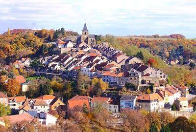 Hombourg haut le quartier medieval routes touristiques de la moselle guide du tourisme de la lorraine