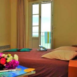 Hotel des bains saint cast le guido chambre routes touristiques des cotes d armor guide du tourisme de bretagne