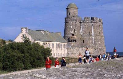 Hotel et tour vauban de l ile de tatihou guide du tourisme de la basse normandie