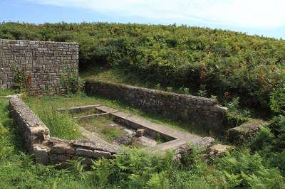 Houat le lavoir routes touristiques dans le morbihan guide du tourisme en bretagne