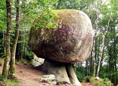 Huelgoat le champignon de la foret d huelgoat les routes touristiques dans le finistere guide du tourisme en bretagne