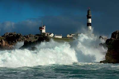 Ile d ouessant phares routes touristiques dans le finistere guide du tourisme en bretagne