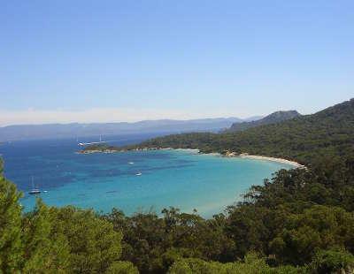 Ile de porquerolles la plage de la courtade et la pointe du lequin routes touristiques du var guide du tourisme de la provence alpes cote d azur