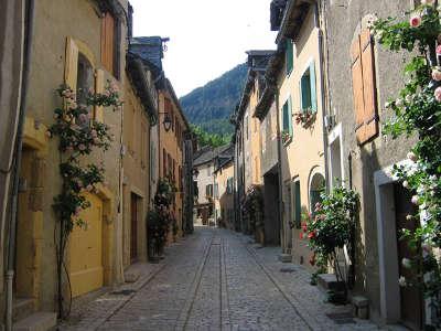 Ispagnac ruelle routes touristique de la lozere guide du tourisme du languedoc roussillon