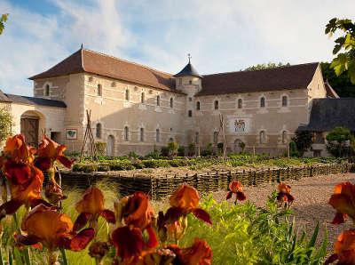 Jardins du chateau du rivau jardin remarquable les ecuries monumentales routes touristiques dans l indre et loire guide du touri