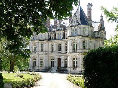Jarnac le chateau saint martial routes touristique de charente guide du tourisme de poitou charentes