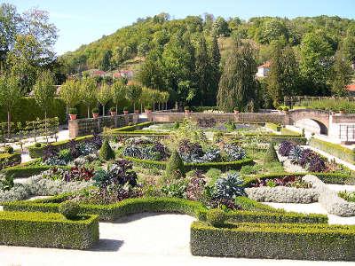 Joinville petite cite de caractere chateau du grand jardin le parc d inspiration renaissance routes touristiques dans la haute marne guide du tourisme grand est