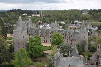 Josselin cite medievale chateau de josselin petite cite de caractere routes touristiques dans le morbihan guide du tourisme en bretagne