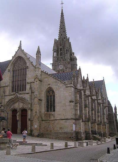 Josselin la basilique petite cite de caractere routes touristiques dans le morbihan guide du tourisme en bretagne