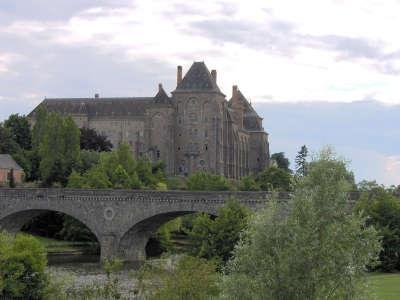L abbaye saint pierre de solesmes routes touristiques de la sarthe du tourisme du pays de la loire
