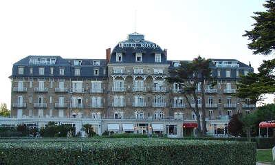 La baule l hotel royal de style neo roman route touristique de loire atlantique guide du tourisme des pays de la loire