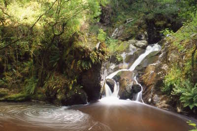 La cascade des moulines anzeme routes touristiques de la creuse guide du tourisme du limousin