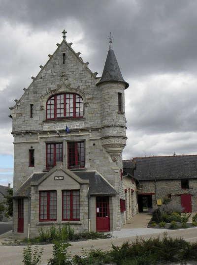 La chapelle erbrees la mairie routes touristiques dans l ille et vilaine guide du tourisme en bretagne