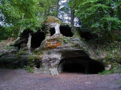 La grotte de l ermitage dans le massif de la serre routes touristiques du jura guide du tourisme de franche comte