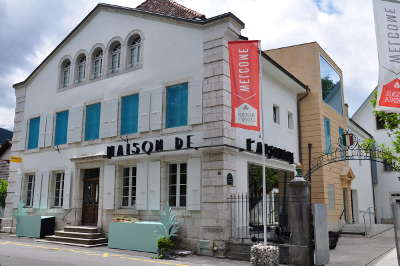La maison de l absinthe de motiers routes touristiques du doubs guide touristique franche comte