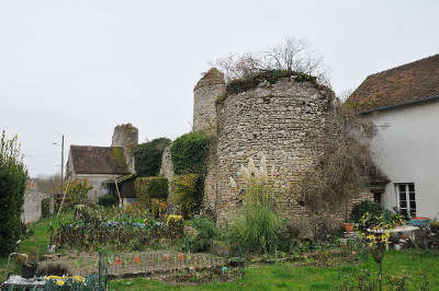La neuville sur essonne ancien chateau fort routes touristiques dans le loiret guide du tourisme centre v