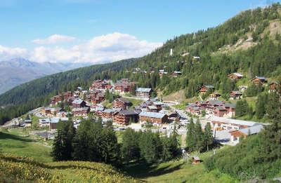 La plagne station ski plagne 1800 routes touristiques de savoie guide touristique de rhone alpes
