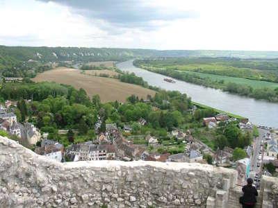 La roche guyon vue du donjon plus beaux villages de france routes touristiques du val d oise guide touristique de ile de france