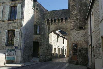 La roche posay la porte bourbon routes touristique de la vienne guide du tourisme de poitou charentes