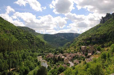 La roque sainte marguerite gorges de la dourbie routes touristiques de l aveyron guide du tourisme de la provence alpes cote d azur