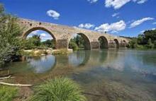 La roque sur ceze pont charles martel plus beaux villages routes touristiques du gard guide touristique du languedoc roussillon