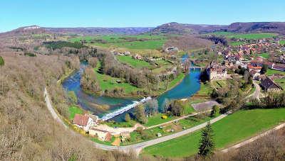 La route de la vallee de la loue boucle de la loue a cleron routes touristiques du doubs guide du tourisme de franche conte
