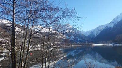 Lac de genos loudenvielle routes touristiques des hautes pyrenees guide du tourisme midi pyrenees