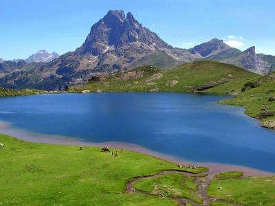 Lac de parc national des pyrenees guide du tourisme des hautes pyrenees