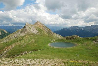 Lac de souliers les routes touristiques des hautes alpes guide du tourisme de provence alpes cote d azyr