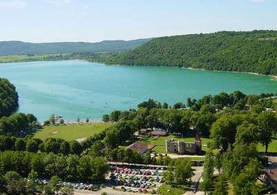 Lac du val doucier routes touristiques du jura guide du tourisme de franche comte