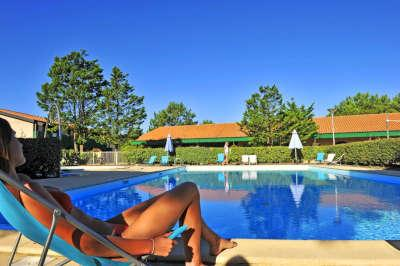 Lacanau piscine residence la forestiere route touristique aquitaine