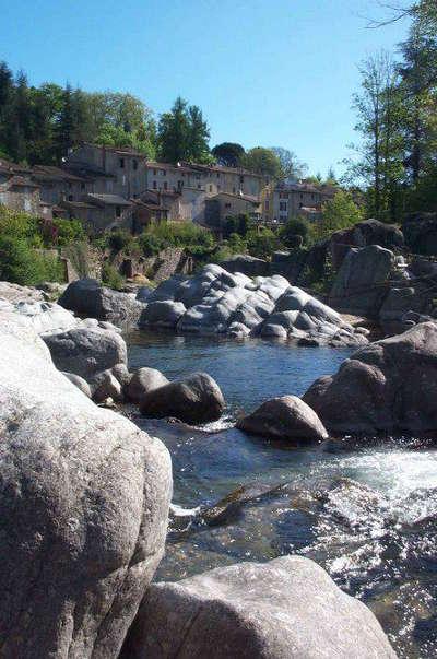 Lasalle routes touristiques de l herault guide du tourisme du languedoc roussillon
