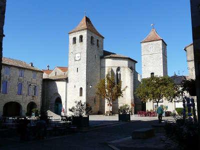 Lauzerte plus beau village l eglise saint barthelemy routes touristiques du tarn et garonne guide du tourisme midi pyrenees