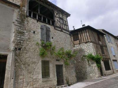 Lauzerte plus beau village vieilles maison routes touristiques du tarn et garonne guide du tourisme midi pyrenees