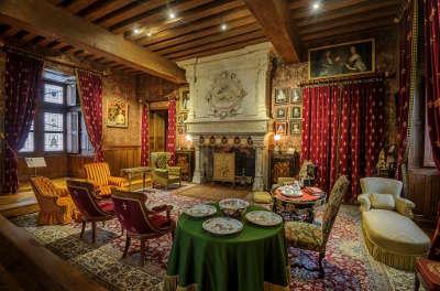 Le chateau d azay le rideau salle plus beau village routes touristiques dans l indre et loire guide du tourisme centre va