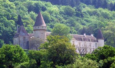 Le chateau de bazoches routes touristiques dans la nievre guide du tourisme en bourgogne