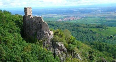 Le chateau du girsberg route des carpes frites guide du tourisme du haut rhin alsace