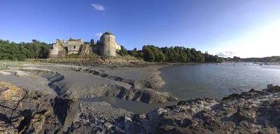 Le chateau du guildo les routes touristiques dans les cotes d armor guide du tourisme en bretagne