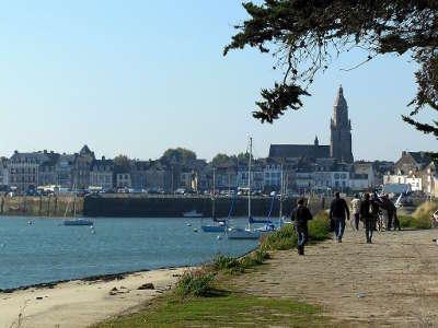 Le croisic petite cite de caractere vu de pen bron route touristique de loire atlantique guide du tourisme des pays de la loire